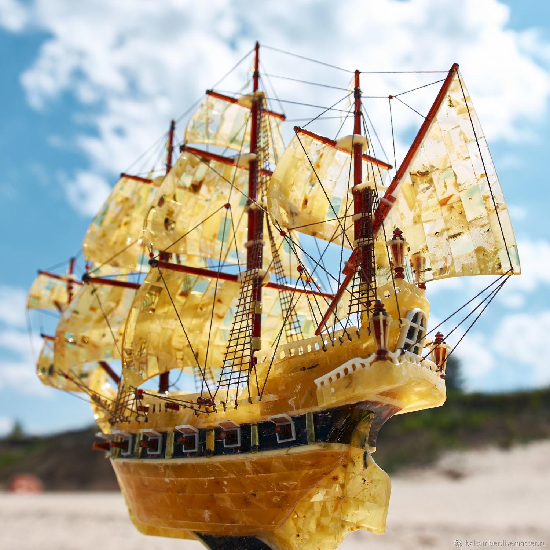 Парусник из янтаря в подарок моряку, руководителю, Модели, Калининград,  Фото №1