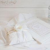 Свадебный салон ручной работы. Ярмарка Мастеров - ручная работа Комплект свадебный: папка для свидетельства о браке и подушечка. Handmade.