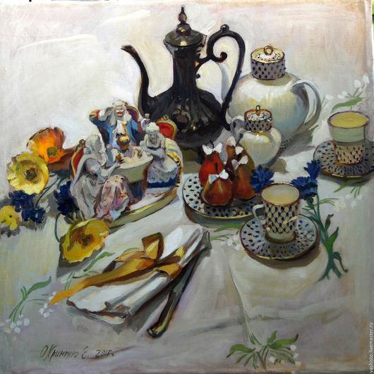Уютная  милая сцена завтракающих фарфоровых господ, разместившихся на столе среди цветов, фруктов и нарядной посуды. Романтическая, кокетливая сцена утреннего насмешливо-несерьёзного настроения.