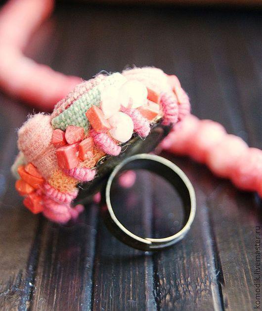 """Кольца ручной работы. Ярмарка Мастеров - ручная работа. Купить кольцо """"Коралловое"""", розово-лососевое, с  розовым кварцем. Handmade."""
