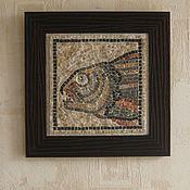 """Картины и панно ручной работы. Ярмарка Мастеров - ручная работа Картина-мозаика """"Хищная рыба"""" из камня. Handmade."""