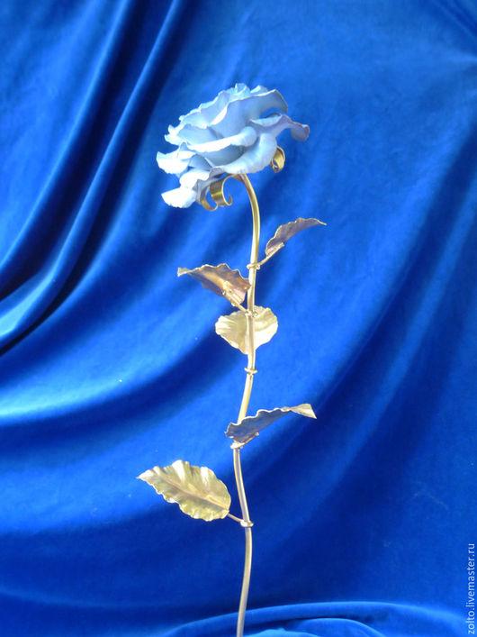 Голубая кованая роза