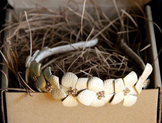 """Диадемы, обручи ручной работы. Ярмарка Мастеров - ручная работа. Купить Ободок """" Белые цветы"""". Handmade. Бежевый"""