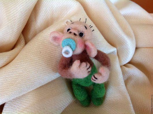 Миниатюра ручной работы. Ярмарка Мастеров - ручная работа. Купить Брошка-игрушка Младенец из мультика Веселые обезьянки. Handmade. Игрушка