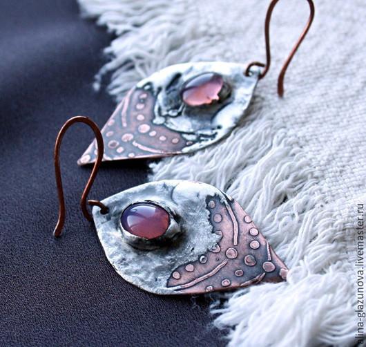 Серьги ручной работы. Ярмарка Мастеров - ручная работа. Купить Серьги медные с оловом и стеклом-розовые. Handmade. Розовый