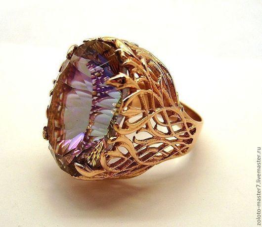 На фото модель представлена в золоте.Стоимость кольца в серебре с фианитом 4500 руб.