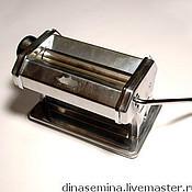 Материалы для творчества ручной работы. Ярмарка Мастеров - ручная работа Паста машина для раскатки глины, теста, пластики,хф машинка лапшерезка. Handmade.