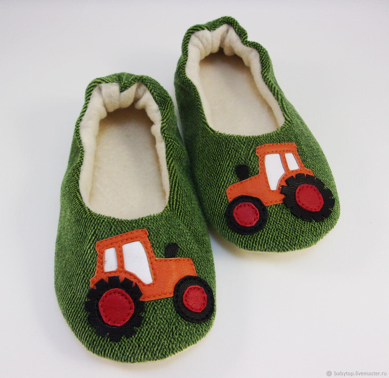33678076a Обувь ручной работы. Ярмарка Мастеров - ручная работа. Купить Детские  домашние тапочки 'Трактор ...