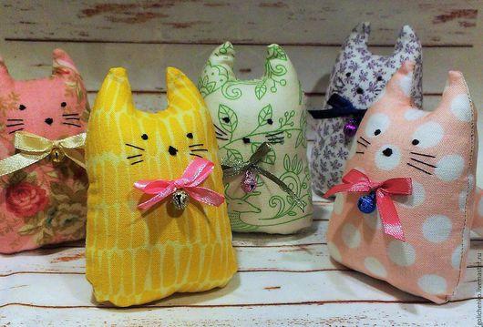 Игрушки животные, ручной работы. Ярмарка Мастеров - ручная работа. Купить мягкие котики. Handmade. Разноцветный, коты