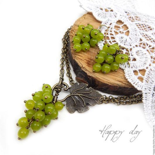 серьги, серьги гроздья, подвеска, ярко-зеленый, лаймовый, виноград, виноградный, красивое украшение, серьги купить, серьги гроздья купить, купить серьги,