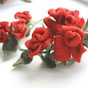 Украшения ручной работы. Ярмарка Мастеров - ручная работа венок из шерстяных красных роз. Handmade.