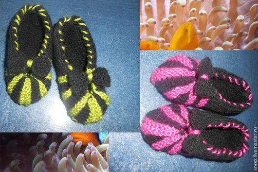 Носки, Чулки ручной работы. Ярмарка Мастеров - ручная работа. Купить Носочки-тапочки для девочки. Handmade. Разноцветный, носки вязаные