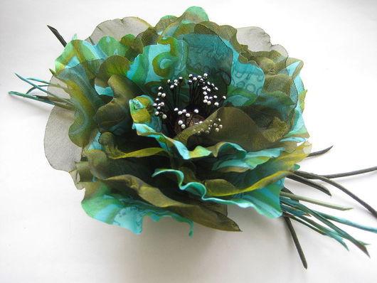 цветы из шелка украшение брошь украшение заколка украшение цветок зеленый цветок изумрудный цветок  цветы из ткани брошка цветы из ткани заколка