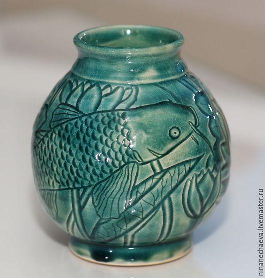 Вазы ручной работы. Ярмарка Мастеров - ручная работа. Купить Керамическая ваза Карп, плывущий среди лотосов. Handmade. Голубой