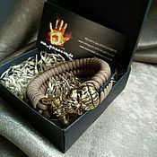"""Браслет из бусин ручной работы. Ярмарка Мастеров - ручная работа Браслет из паракорда """"Хеллоуин"""" с прошивкой. Handmade."""