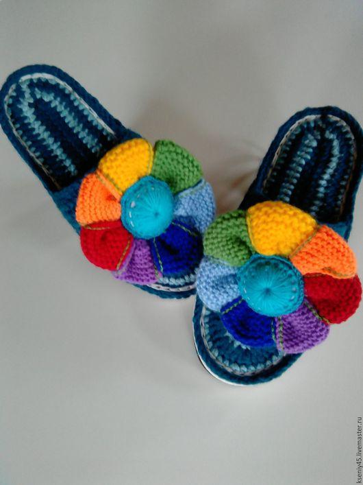 """Обувь ручной работы. Ярмарка Мастеров - ручная работа. Купить Тапочки вязаные """"Цветик-семицветик"""". Handmade. Комбинированный, подошва женская"""
