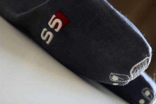 """Обувь ручной работы. Ярмарка Мастеров - ручная работа. Купить """"Audi S5"""" тапочки мужские валяные. Handmade. Серый"""