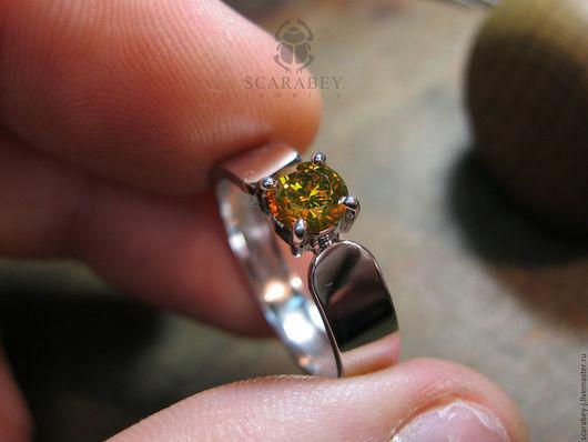 Кольца ручной работы. Ярмарка Мастеров - ручная работа. Купить Кольцо из белого золота с бриллиантом. Handmade. Золотое кольцо