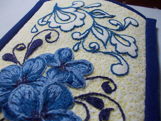 """Для телефонов ручной работы. Ярмарка Мастеров - ручная работа. Купить чехол на телефон """"цветы"""". Handmade. Тёмно-синий, цветы"""