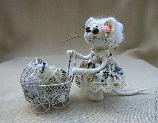 Игрушки животные, ручной работы. Ярмарка Мастеров - ручная работа. Купить Мышка- мамашка. Валяная игрушка. Шебби шик, прованс.. Handmade.
