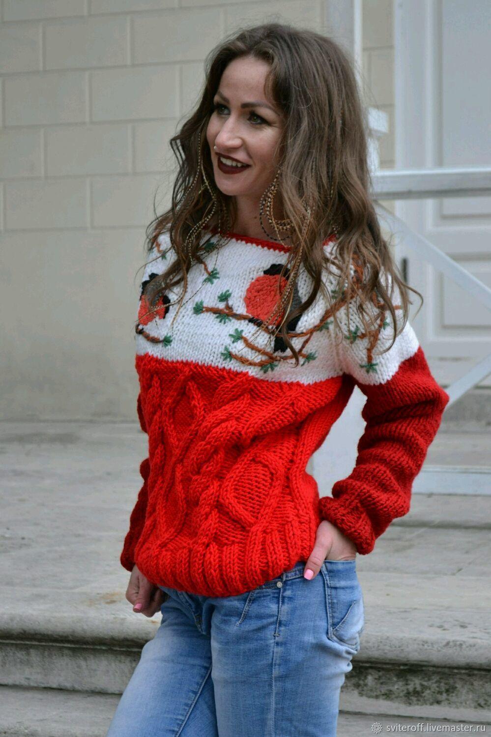 свитер вязаный женский теплый с ручной вышивкой снегири купить в