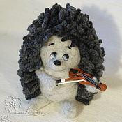Куклы и игрушки ручной работы. Ярмарка Мастеров - ручная работа Сероглазый ёжик со скрипочкой. Handmade.