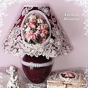 """Для дома и интерьера ручной работы. Ярмарка Мастеров - ручная работа """"Лилии и розы"""" настольная лампа. Handmade."""