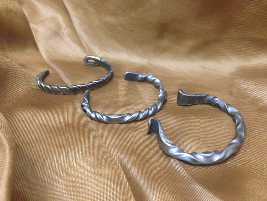 Браслеты ручной работы. Ярмарка Мастеров - ручная работа. Купить Кованные браслеты из нержавейки.. Handmade. Браслет, подарок