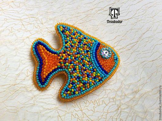 """Броши ручной работы. Ярмарка Мастеров - ручная работа. Купить Брошь """"Золотая рыбка"""", вышитая брошь, бисерная брошь. Handmade."""