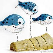 Статуэтки ручной работы. Ярмарка Мастеров - ручная работа Декор Рыбки семейные (серебряный голубой охра древесный). Handmade.