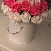 Букеты ручной работы. Ярмарка Мастеров - ручная работа Букеты: цветы в шляпной коробке. Handmade.