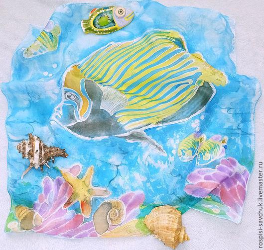 Шали, палантины ручной работы. Ярмарка Мастеров - ручная работа. Купить Платок шелковый Тропические рыбки в кораллах. Батик.  45Х45 см.. Handmade.