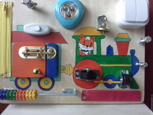 Развивающие игрушки ручной работы. Ярмарка Мастеров - ручная работа. Купить Бизиборд-мини Паровозик. Handmade. Комбинированный, подарок для мальчика