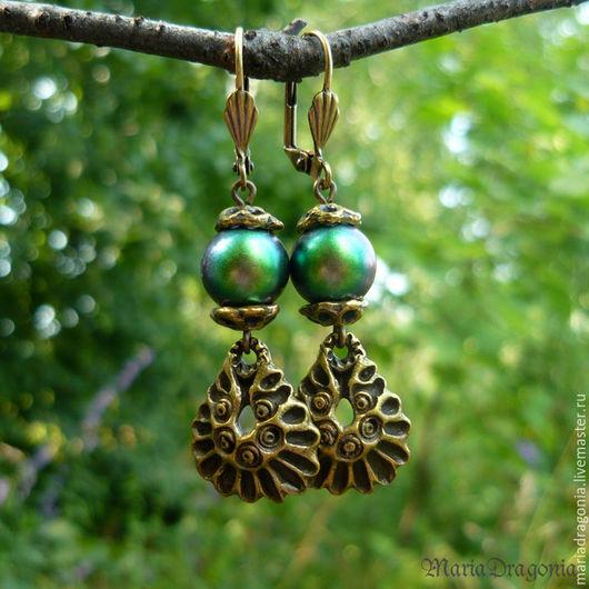 Серьги ручной работы. Ярмарка Мастеров - ручная работа. Купить Серьги с жемчугом Swarovski (Iridescent Green, зеленые с подвесками). Handmade.