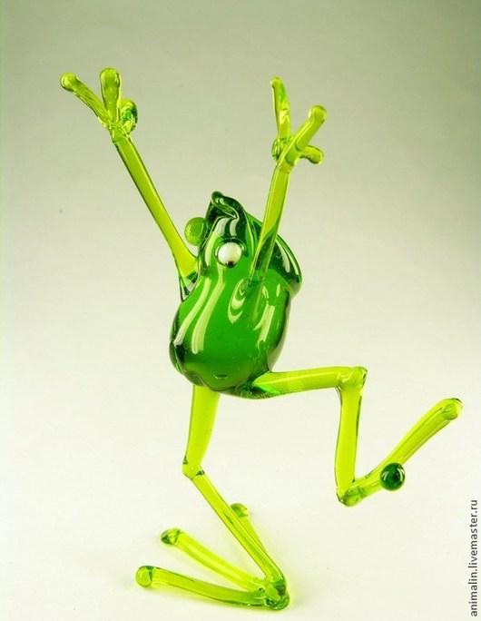 Статуэтки ручной работы. Ярмарка Мастеров - ручная работа. Купить Стеклянная фигурка  Веселая Лягушка. Handmade. Ярко-зелёный, вода