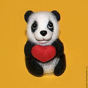 Куклы и игрушки ручной работы. Ярмарка Мастеров - ручная работа Панда Кеня - бамбуковый мишка (брошь, подвеска). Handmade.