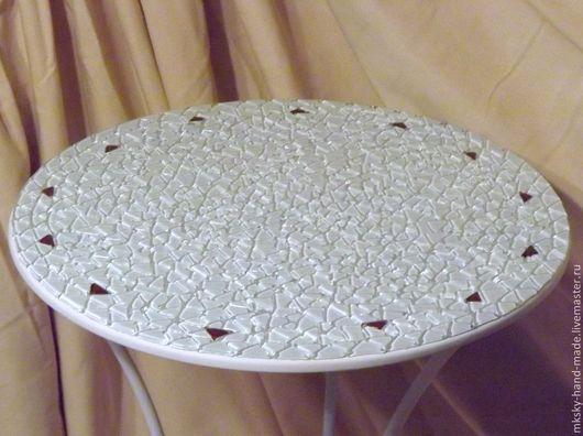 """Мозаичный кофейный столик """"Лунные блики"""" - оригинальный подарок родным, друзьям или себе, будет прекрасно смотреться в различных интерьерах. \r\nСерия """"Все оттенки белого"""""""
