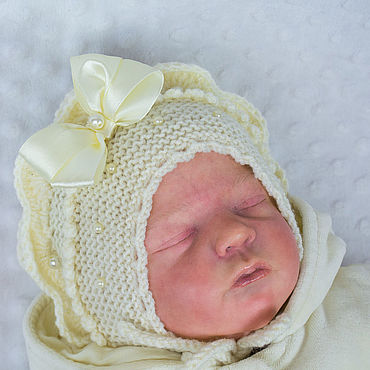"""Одежда ручной работы. Ярмарка Мастеров - ручная работа Шапочка для новорожденной""""Анюта"""". Шапочка вязанная теплая.. Handmade."""