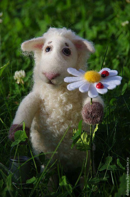 Игрушки животные, ручной работы. Ярмарка Мастеров - ручная работа. Купить Овечка Джульетта. Handmade. Белый, подарок, овечка игрушка