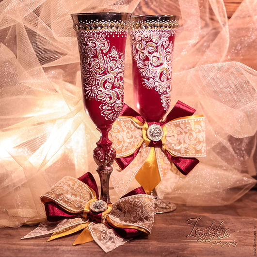 """Свадебные аксессуары ручной работы. Ярмарка Мастеров - ручная работа. Купить Бокалы свадебные - """"бордо"""". Handmade. Белый, бокалы для молодоженов"""