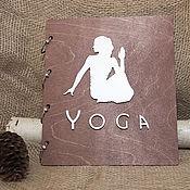 Блокноты ручной работы. Ярмарка Мастеров - ручная работа Деревянный Yoga-блокнот. Handmade.