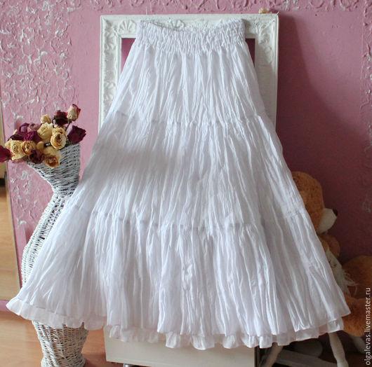 На этой фотографии юбка Белоснежка с нижней юбкой Очарование