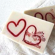 """Косметика ручной работы. Ярмарка Мастеров - ручная работа Очищающее мыло """"Соблазн"""", подарок, 14 февраля, сердце, белый, красный. Handmade."""
