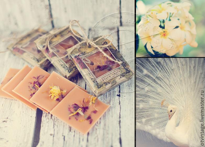 Florentine sachets for perfuming linen
