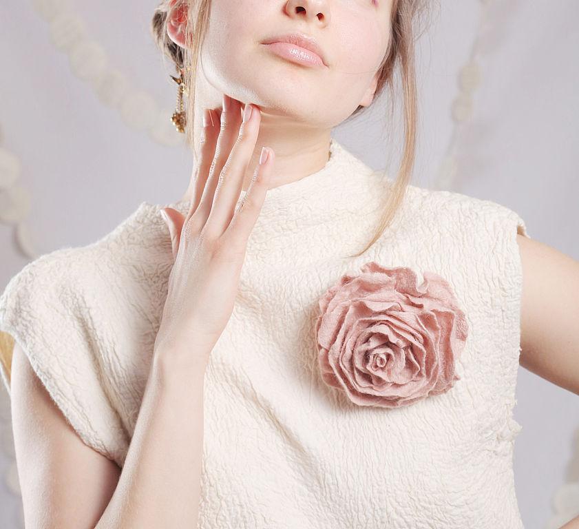 Пыльная роза из войлока. Брошь, Брошь-булавка, Луганск,  Фото №1