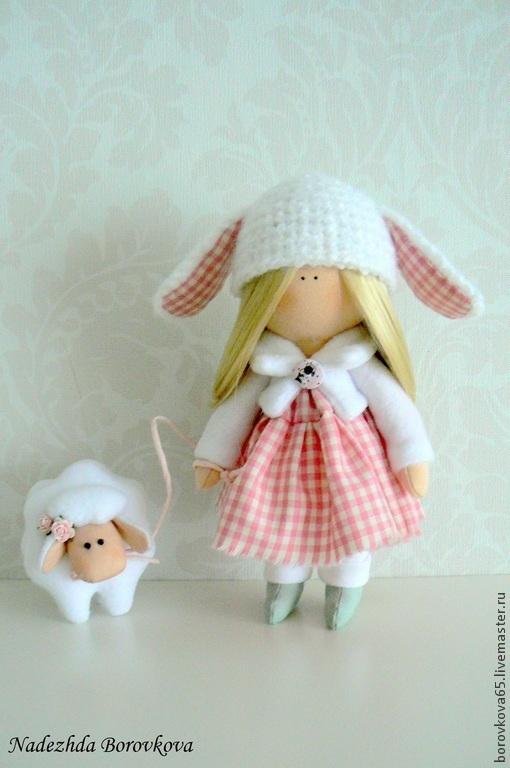 Коллекционные куклы ручной работы. Ярмарка Мастеров - ручная работа. Купить Маруся и овечка.. Handmade. Белый, подарок девушке, хлопок