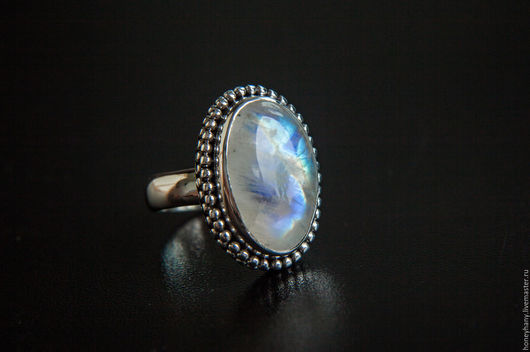 Кольца ручной работы. Ярмарка Мастеров - ручная работа. Купить Кольцо с крупным лунным камнем. Handmade. Комбинированный