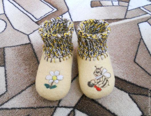 Обувь ручной работы. Ярмарка Мастеров - ручная работа. Купить Малышкины тапочки. Handmade. Желтый, шерсть 100%