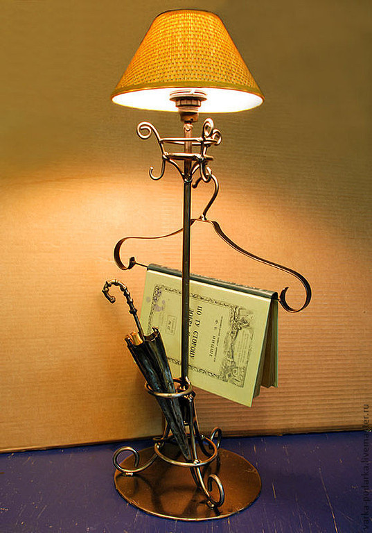 Лампа-вешалка, Настольные лампы, Москва,  Фото №1
