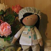 Куклы Тильда ручной работы. Ярмарка Мастеров - ручная работа Кукла-косметолог,медсестра,кукла Тильда. Handmade.